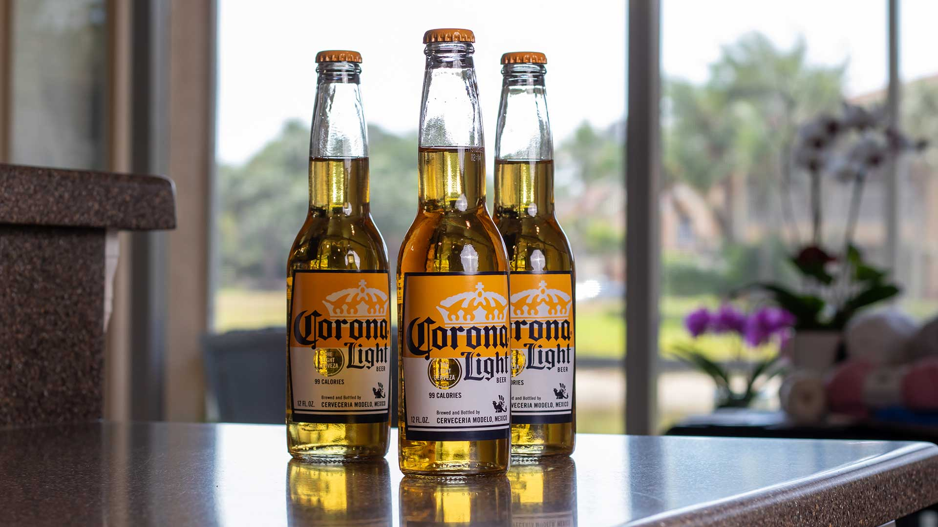 Corona Light. Dit bier is eigendom van ABInbev (Patrinvest - Alexandre Van Damme)